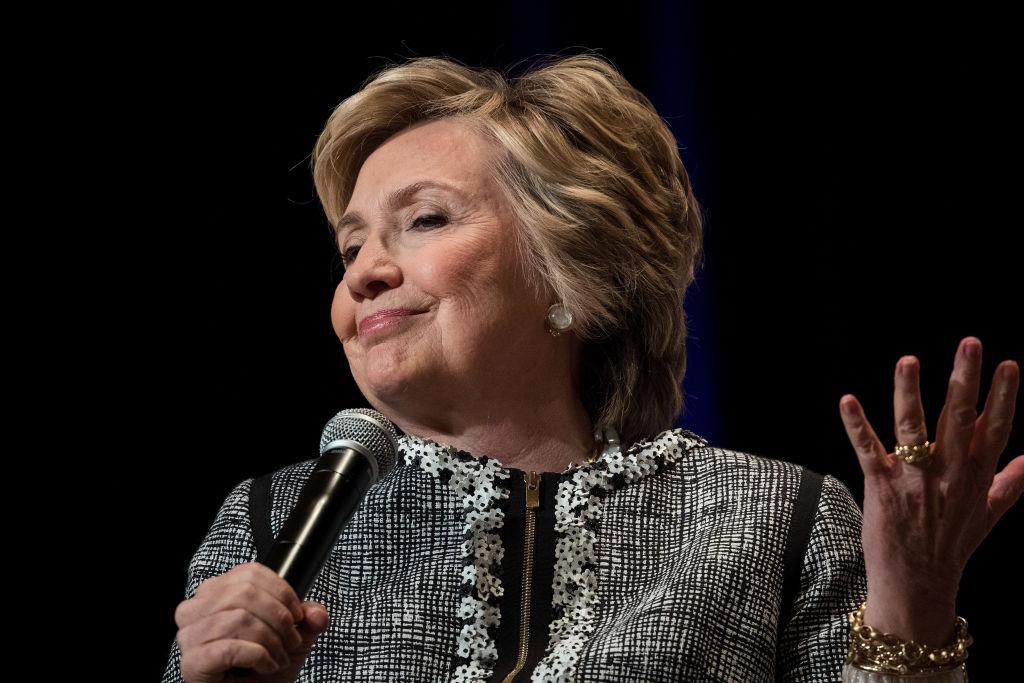 Клинтон начала работать в 13 лет