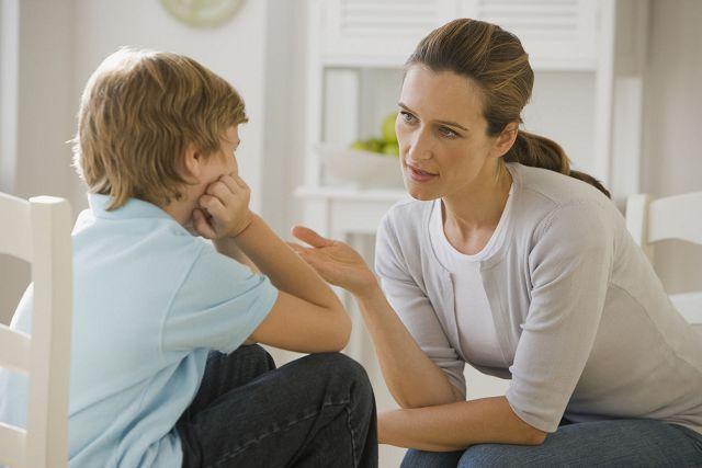 Важно объяснить ребенку разницу между обязательными тратами и развлечениями
