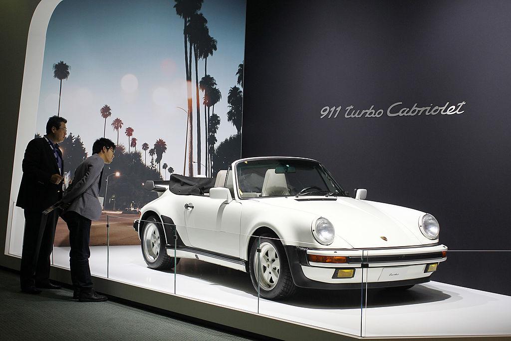Всего существовало 14 модификаций Turbo Cabriolet