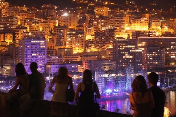 Средняя зарплата в Монако составляет 3436 евро