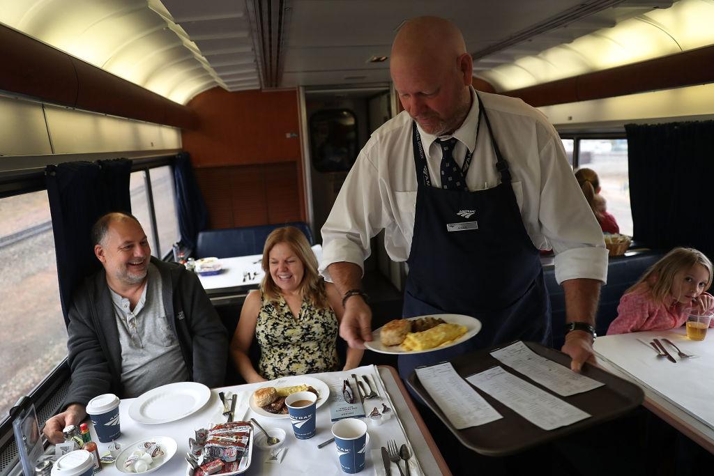 В поезде можно вкусно и бюджетно перекусить