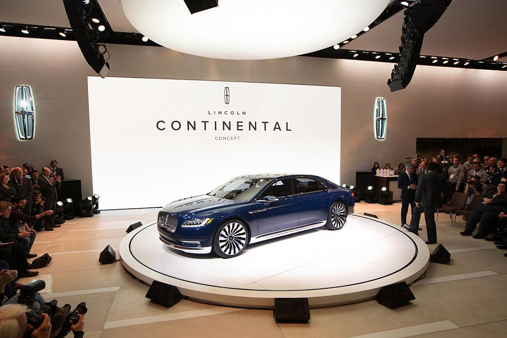 Цена Lincoln Continental составляет около 120 тысяч долларов