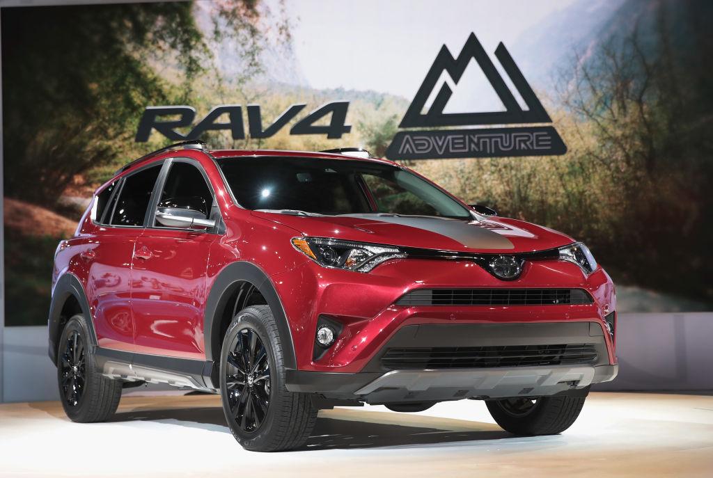 Toyota RAV4 - средняя цена 17 300 долларов