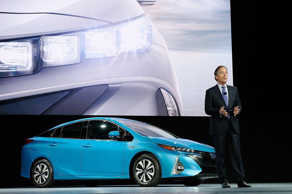 Toyota Prius характеризуется недостаточным уровнем управляемости