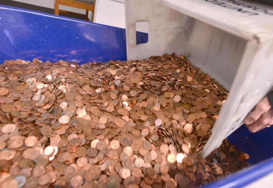 300 тысяч монет завесили на 725 кг