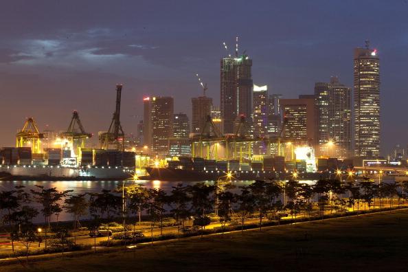 Средняя зарплата в Сингапуре составляет 2616 долларов
