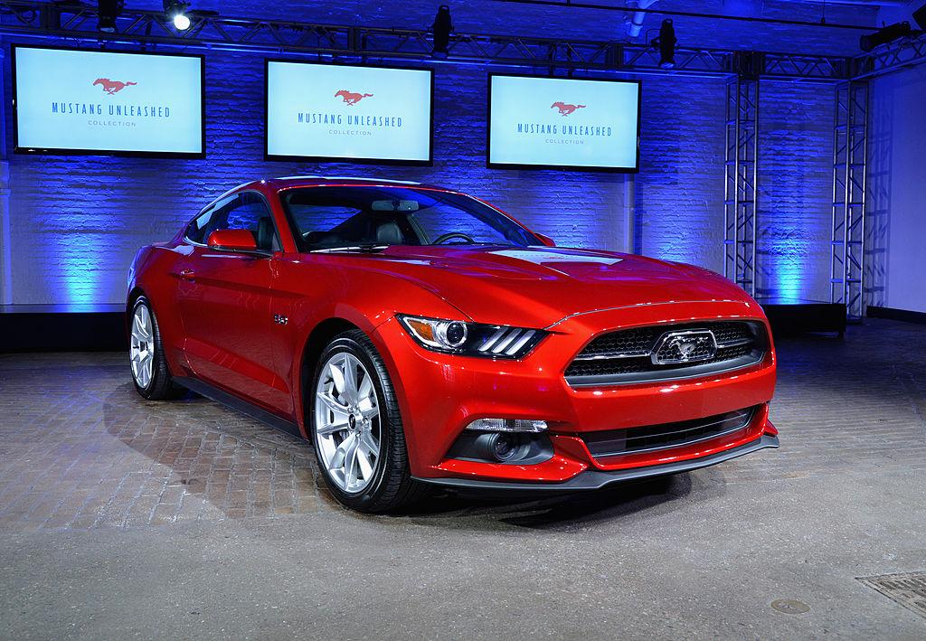 На фото культовый автомобиль производства Ford Motor Company