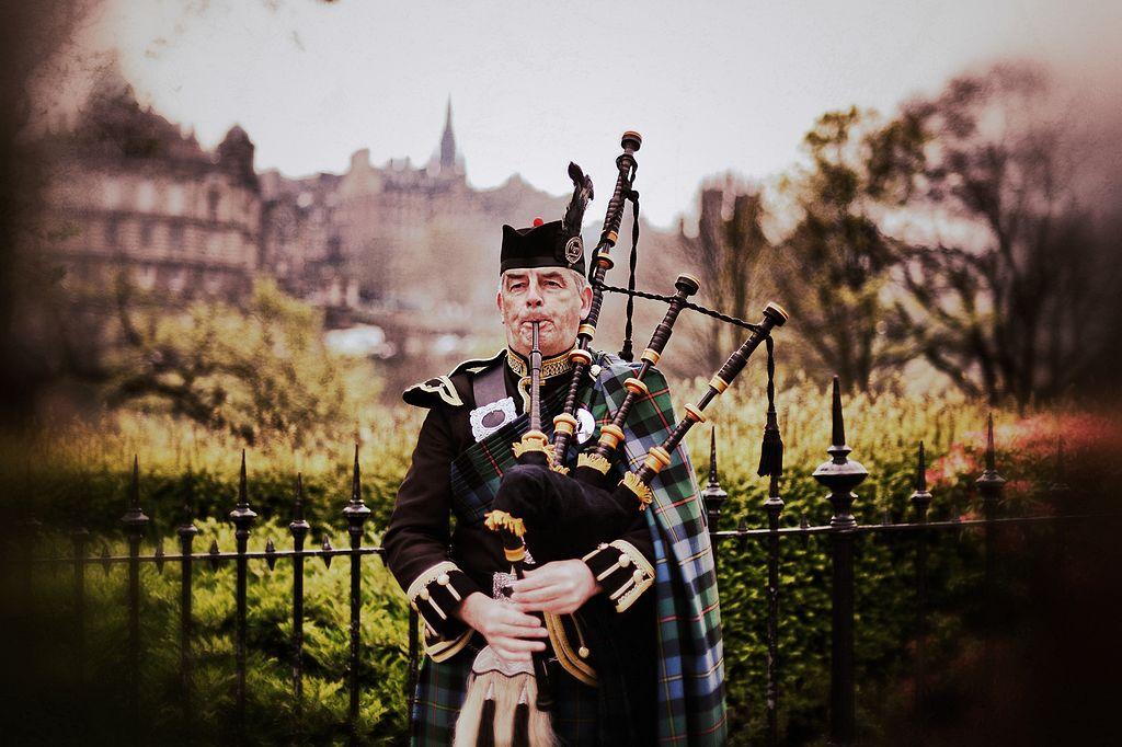 Эдинбург - достаточно колоритный город