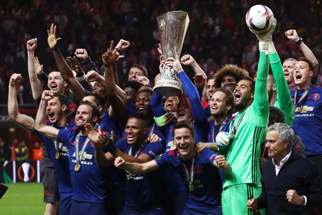 Команда выиграла Суперкубок Англии, Кубок Футбольной лиги и Лигу Европы