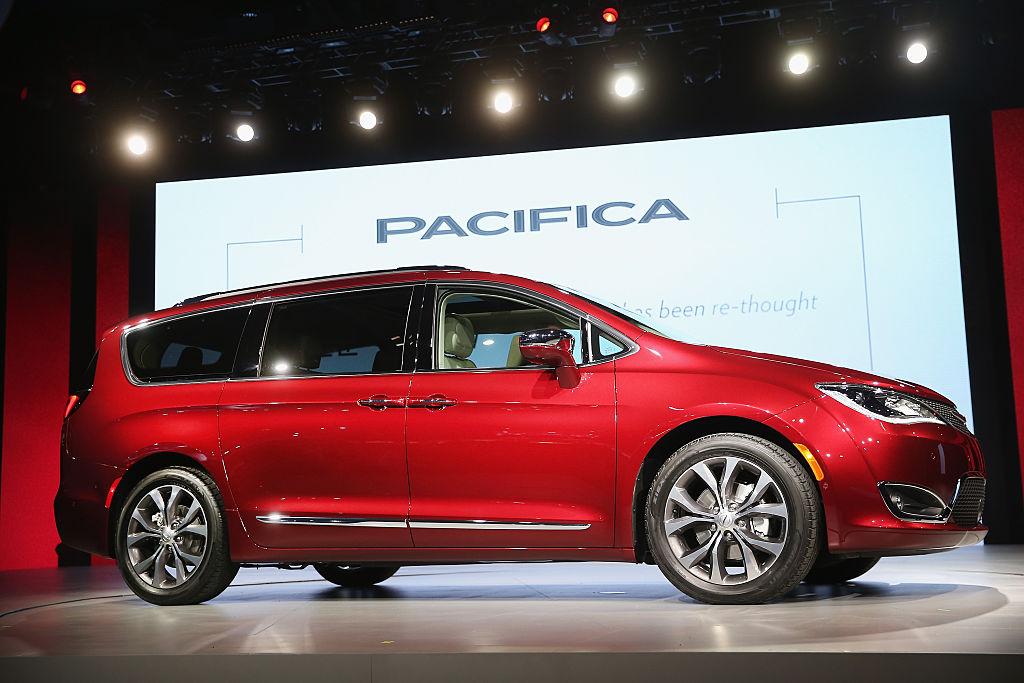 В Украине Chrysler Pacifica не продается