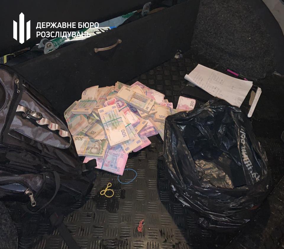 Чиновник требовал 2,5 млн грн