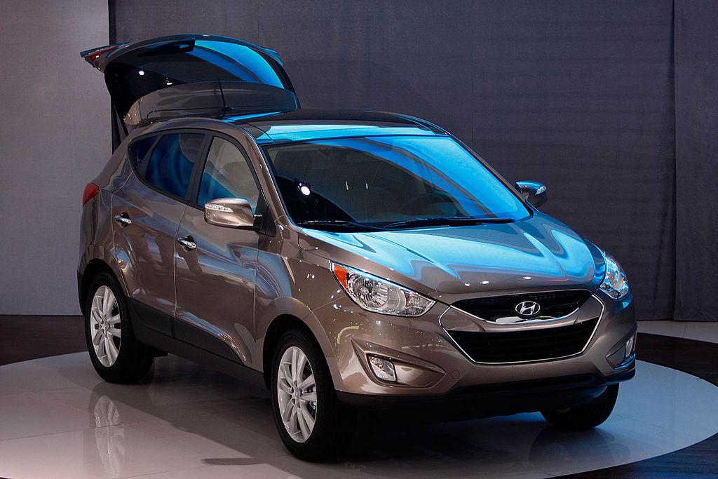 Hyundai Tucson - средняя цена 11 180 долл