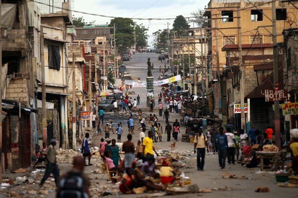 Порт-о-Пренс - столица и главный порт Гаити