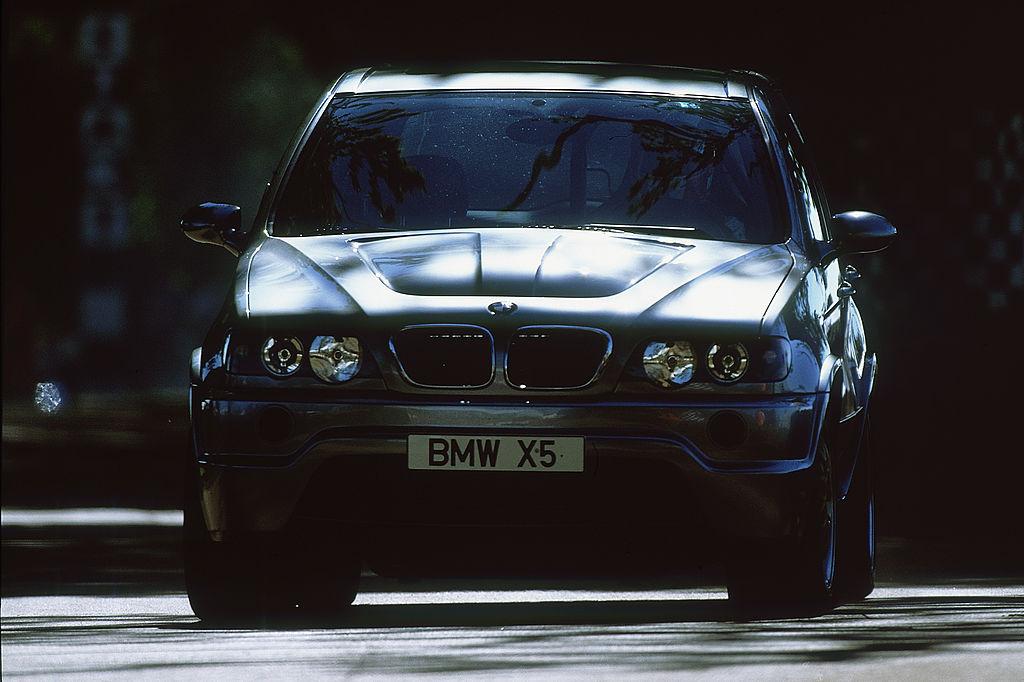 BMW X5 - средняя цена 24 680 долл