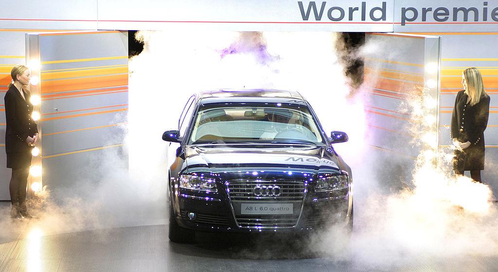Цена Audi A8 - около 80 тысяч долларов